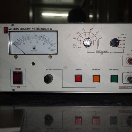 Million-Megohm-meter